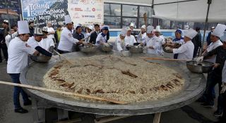 Kyrgyzstan wants to set world record by preparing 1 ton of beshbarmak