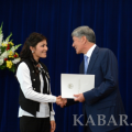Atambayev handed presidential scholarships to outstanding students